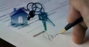 Passer par une agence immobilière